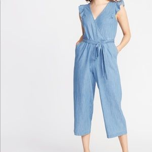 Cropped jumpsuit w sleeves